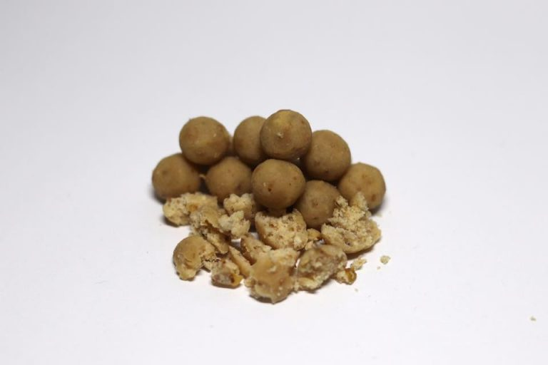 Close up Urban Bait Nutcracker Boilies